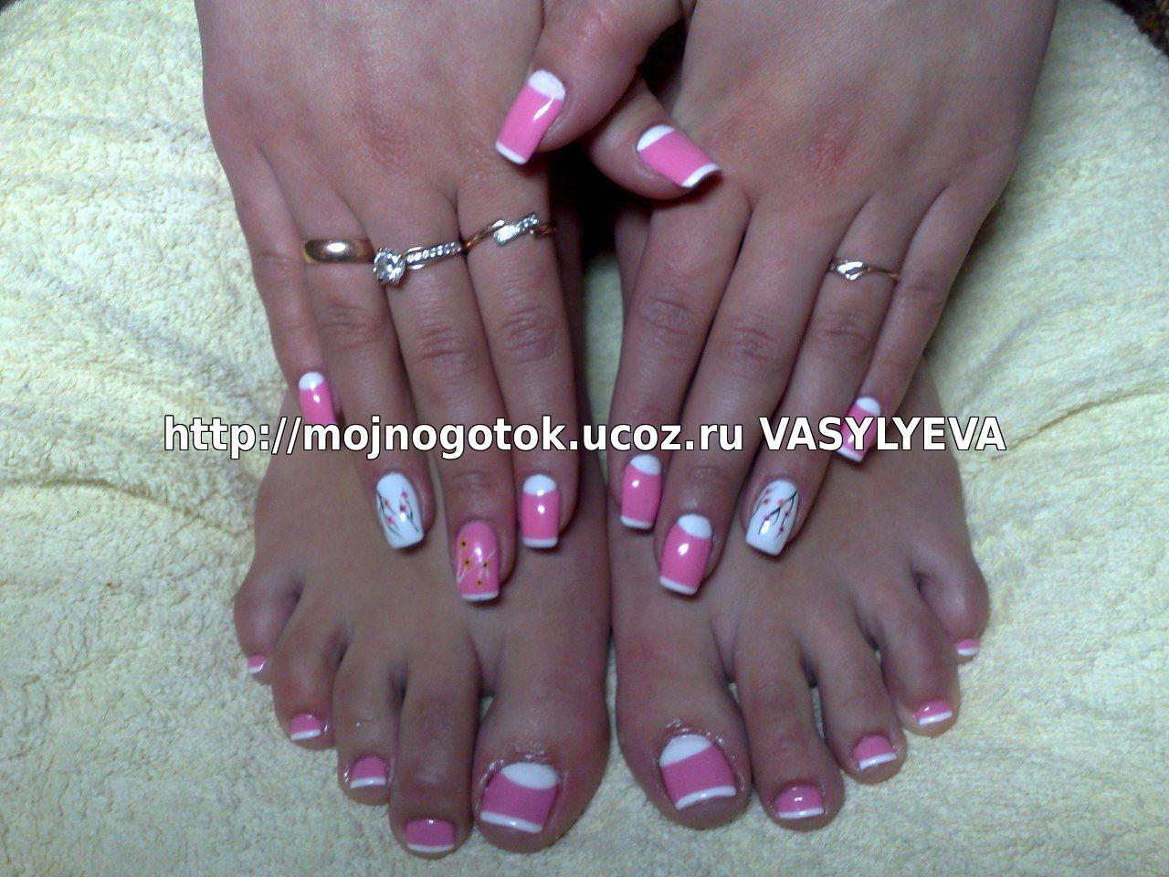 Маникюр и педикюр розовый с френчем
